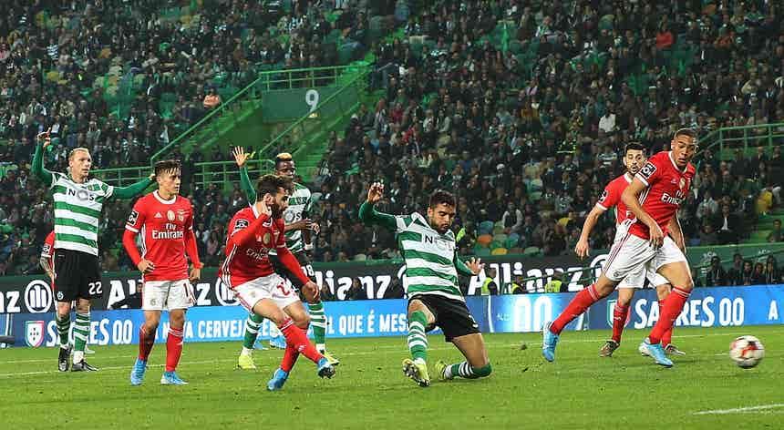 Benfica vence em Alvalade e destaca-se na liderança