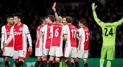 Ajax confirma que rescindiu com vários jogadores incluindo Nouri