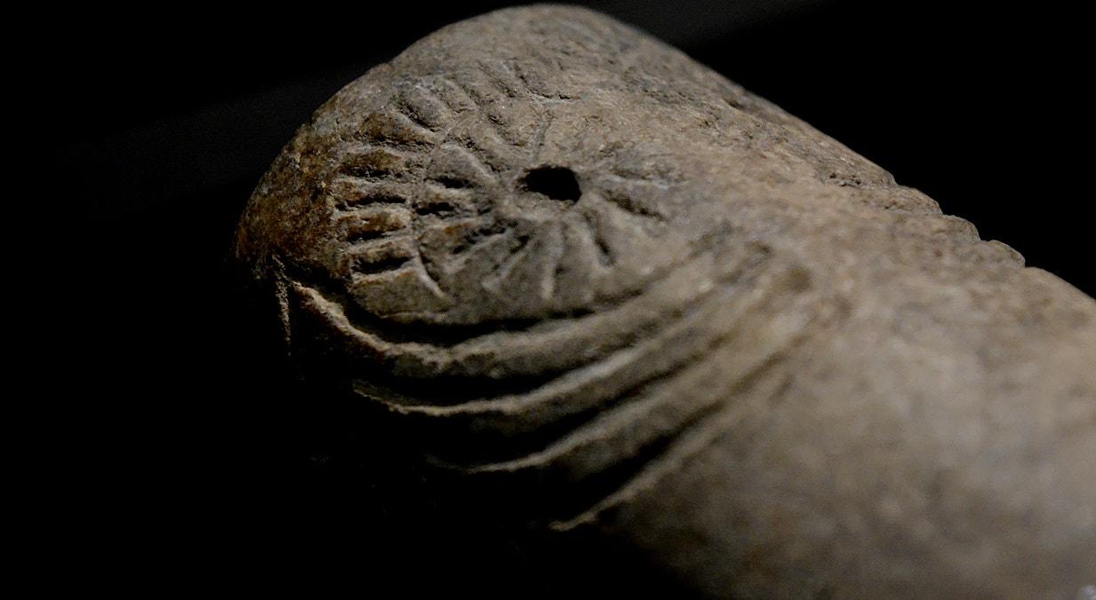 Betilo oculado, pedra, 2500-2300 a.C., Perdigões, Reguengos de Monsaraz   Carla Quirino - RTP