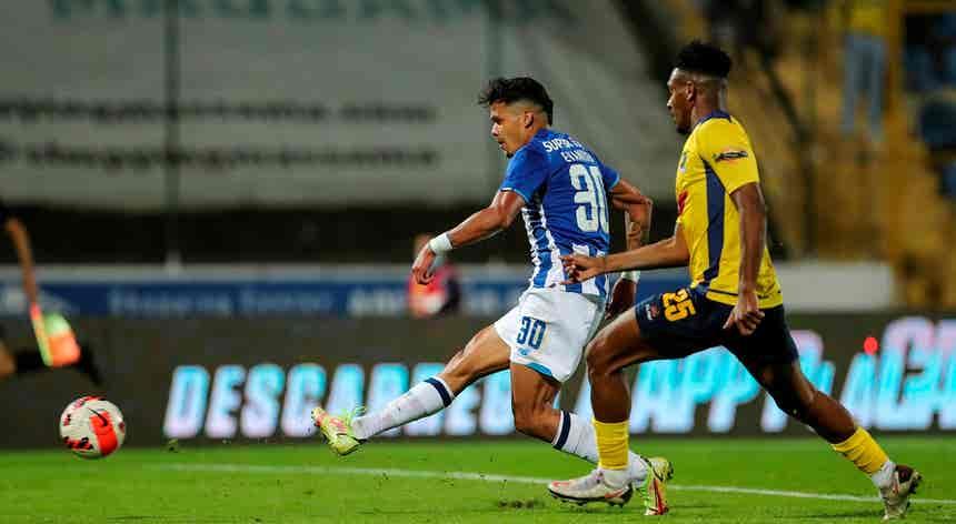 FC Porto goleia Sintrense e segue em frente na Taça da Portugal