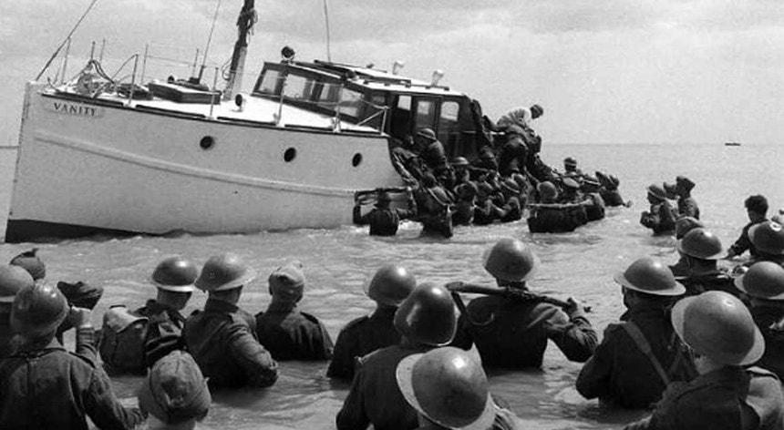 Imagem da evacuação das tropas em Dunquerque