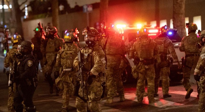 A saída dos agentes federais será feita de forma faseada, com os primeiros a abandonarem as ruas nos próximos dias.