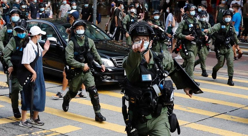 Ação policial em Hong Kong para dispersar protestos pró-democráticos dia 06 de setembro de 2020