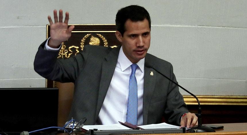 O autoproclamado presidente interino da Venezuela, Juan Guaidó, durante uma sessão parlamentar
