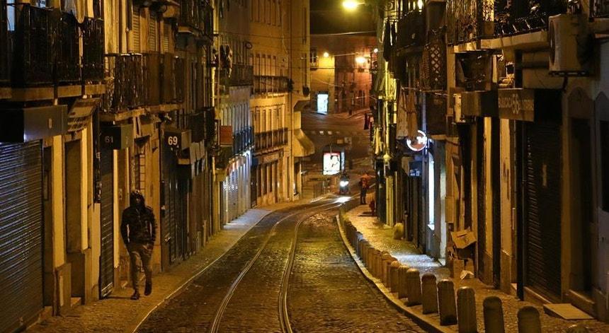 Os portugueses voltam a ficar em casa
