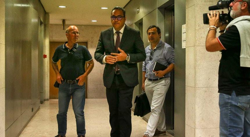 O advogado e porta-voz do sindicato nacional dos motoristas, Pardal Henriques, à saída de uma reunião com o Governo