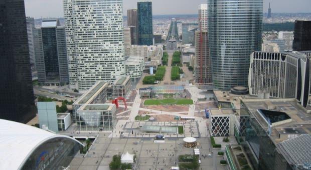 O bairro de La Défense num dos extremos de Paris, onde se deu o ataque contra o militar