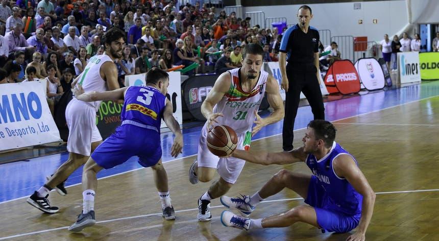 A seleção portuguesa continua a dar passos seguros a caminho da fase final do Euro2021