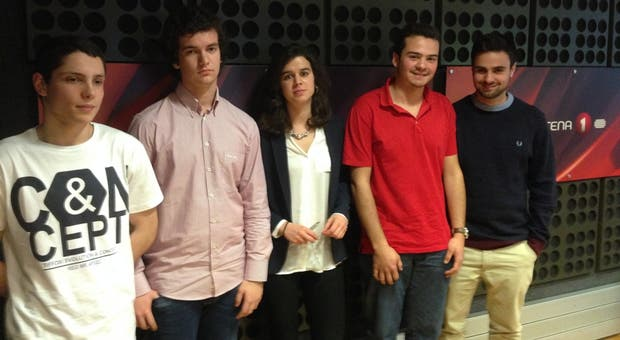 Os cinco jovens puderam falar com os eurodeputados portugueses em Bruxelas