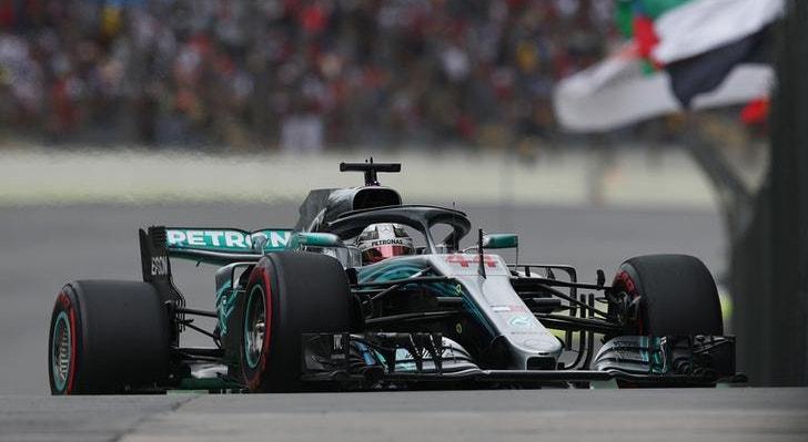 Hamilton e a 100ª pole Mercedes