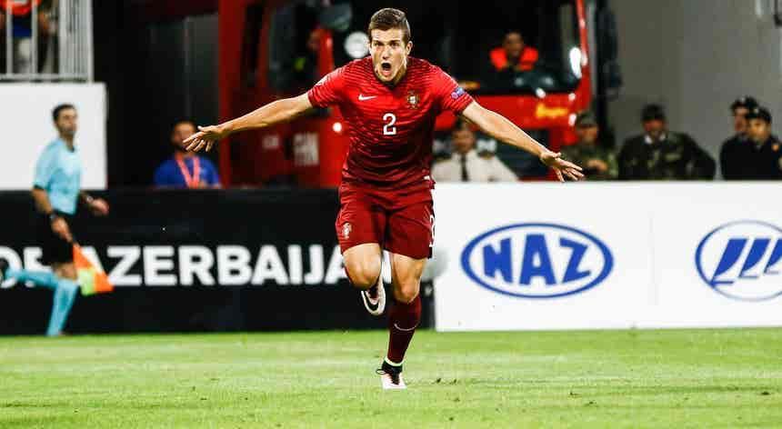 Euro2020: Diogo Dalot já se juntou à seleção portuguesa em Budapeste