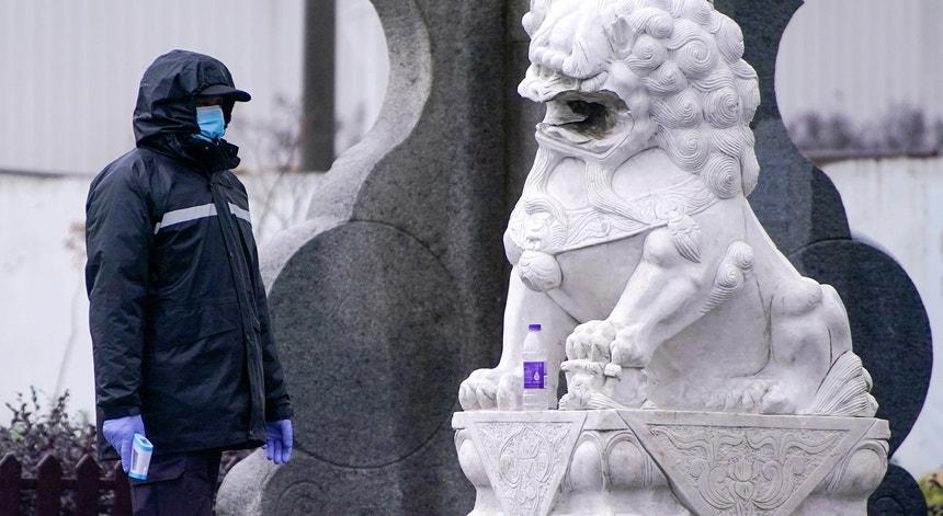 Os chineses continuam a não descurar todas as ações de prevenção e combate ao novo coronavírus