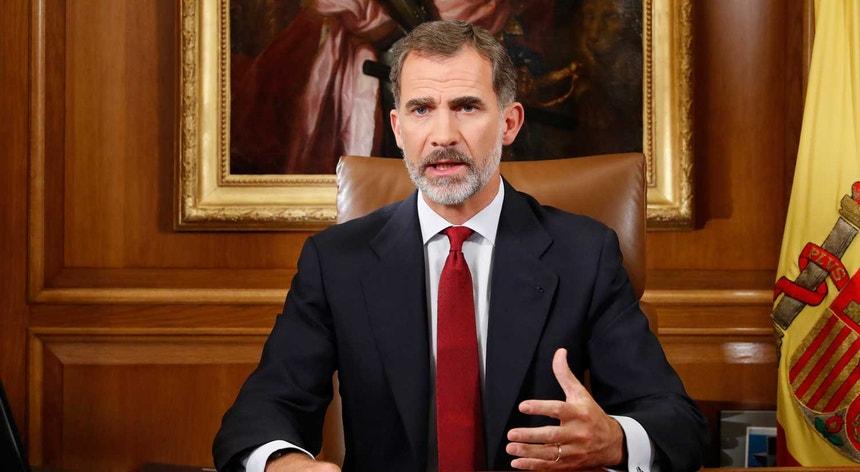 "Felipe VI acusou esta noite as autoridades da Catalunha de ""comportamento irresponsável"""