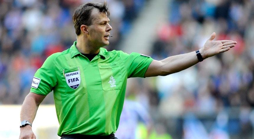 O árbitro holandês dirigirá o jogo Arsenal-Benfica