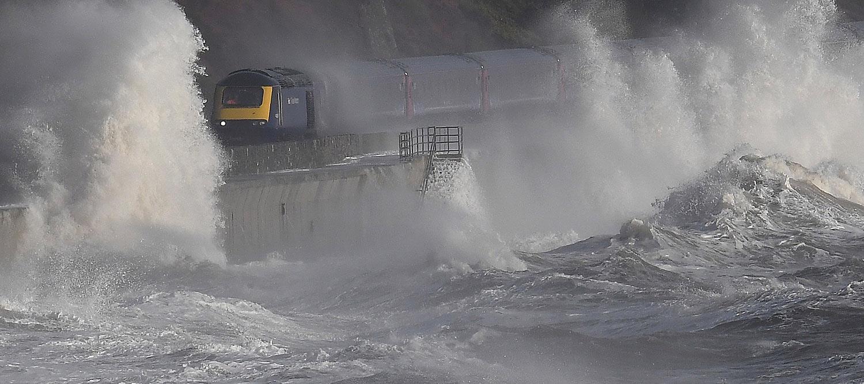 """""""Já devíamos ter planos"""". Subida do mar vai afetar cerca de 150 mil portugueses"""