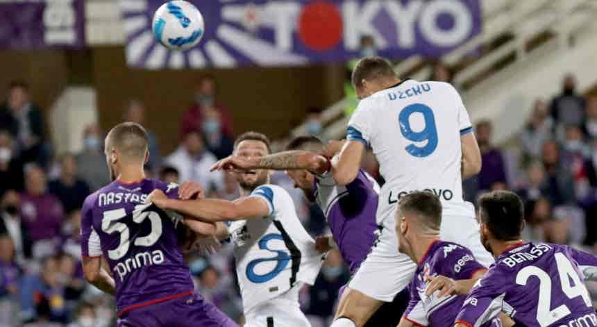 Inter de Milão vira marcador contra Fiorentina e lidera provisoriamente em Itália