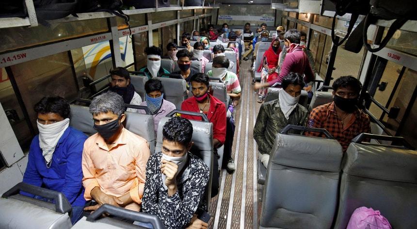 A viagem pela vida dos indianos tem sido penosa em tempos de pandemia