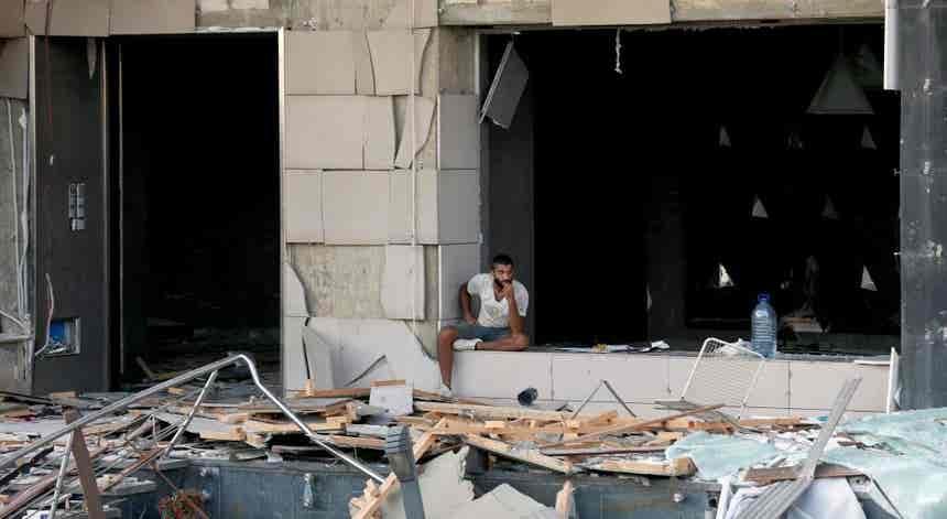 Cidadão português quer abandonar Beirute após explosões