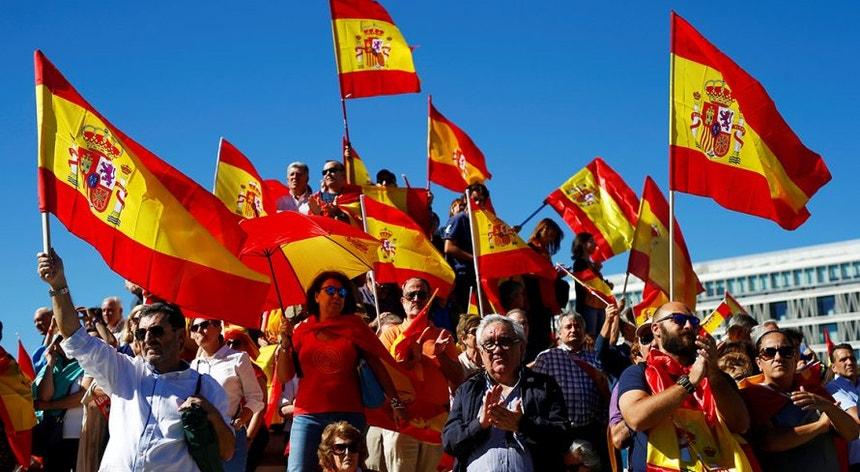 Os espanhóis vão votar com a esperança de ter um novo governo nas próximas semanas