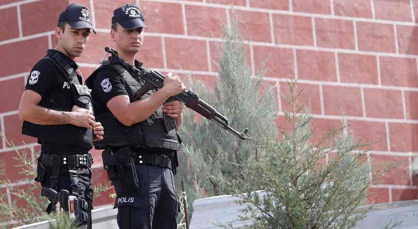 Turquia. Está detido pela polícia um advogado da Embaixada alemã