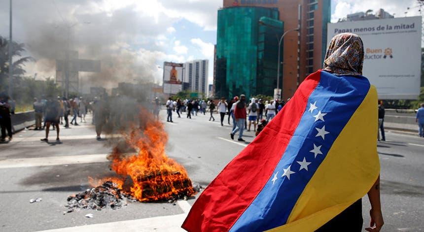 Enquanto a diplomacia discute os protestos mantém-se na Venezuela