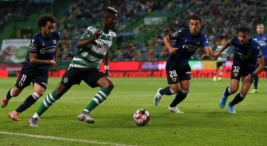 I Liga. Sporting defende liderança em Famalicão
