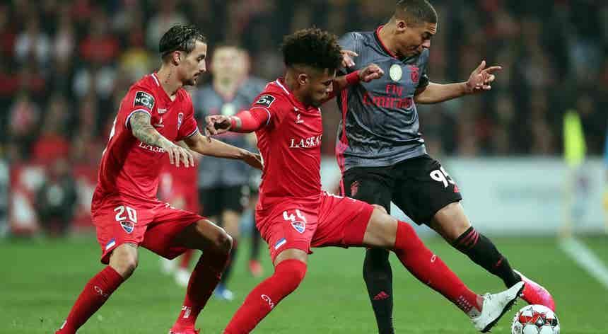 Benfica obtém vitória preciosa por 1-0 e recupera liderança