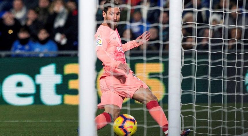 Barcelona vence em Getafe e reforça liderança da liga espanhola ... 72ee5be7435e4