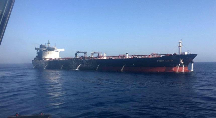 Os EUA acreditam que o Irão quis recuperar provas do seu envolvimento no ataque contra os petroleiros