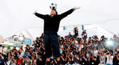 """Os melhores da atualidade recordam Maradona como o """"génio eterno"""""""
