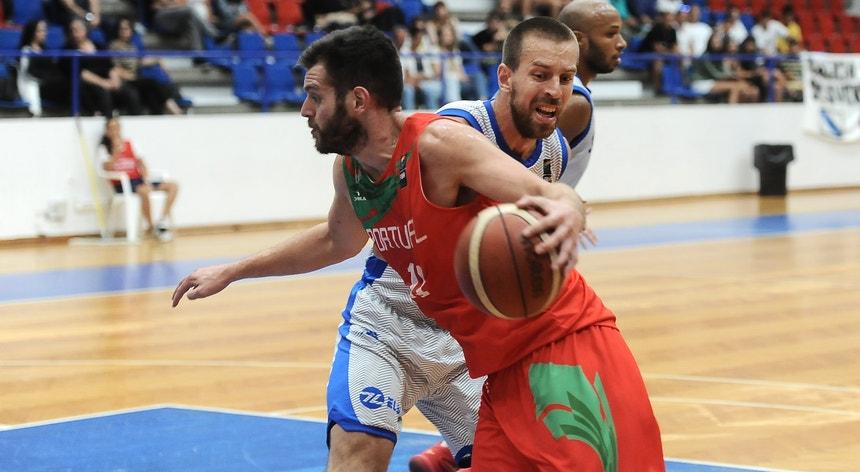 A seleção começou bem o jogo mas acabou derrotada pela Eslováquia