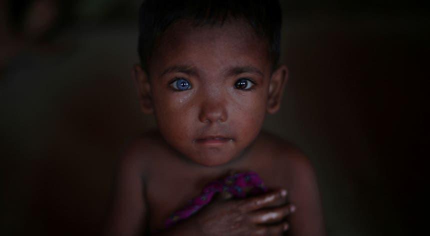 Hosne Ara, 4 anos. Refugiado obrigado a deixar a casa em Mynamar