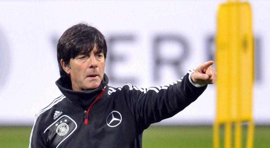 Joachim Low renova contrato com a seleção alemã até 2016 - Alemanha ... 23a22819e7ee7