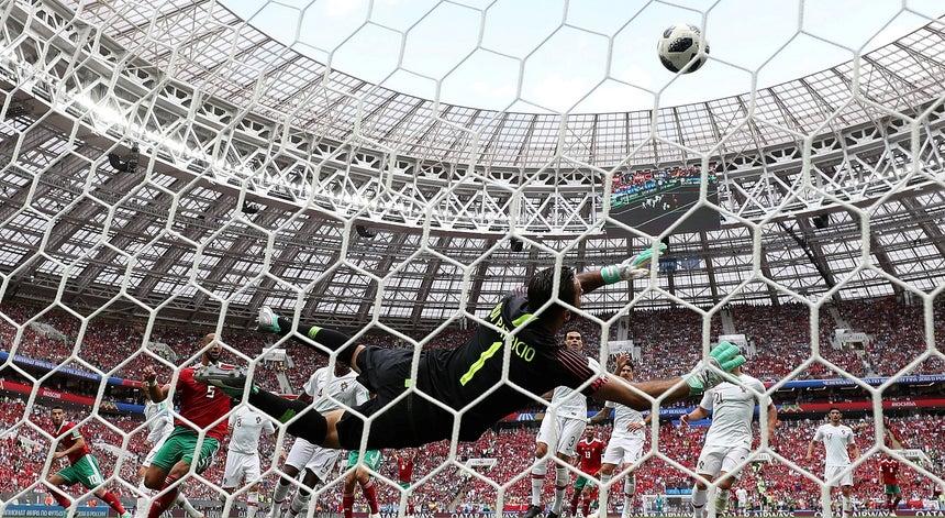 a6544f7f0b Golo de Cristiano Ronaldo salva Portugal em má partida - Mundial ...