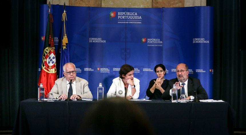 Os ministros Mariana Vieira da Silva, João Pedro Matos Fernandes e Eduardo Cabrita