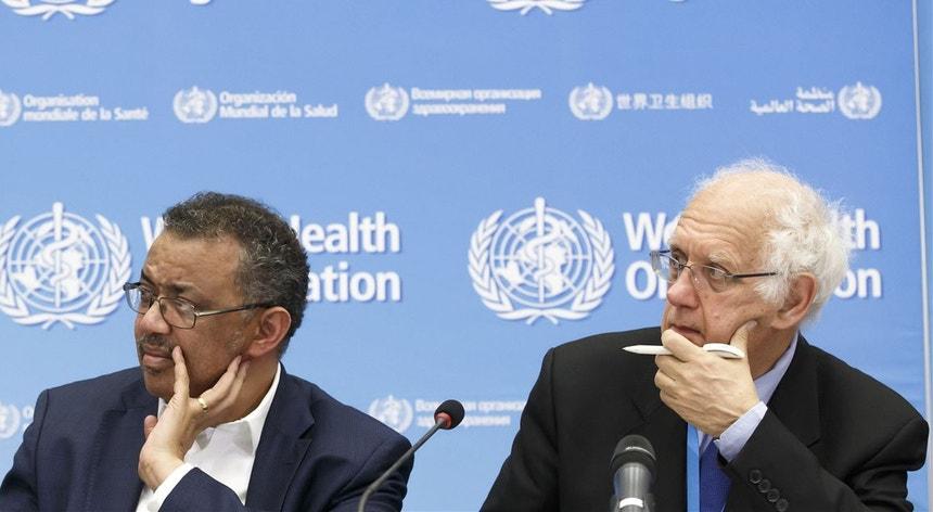 Os altos responsáveis da OMS estão preocupados com as novas variantes do vírus