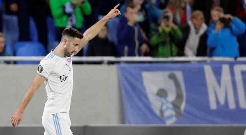Sporting chegou a acordo com Slovan Bratislava para contratação de Sporar
