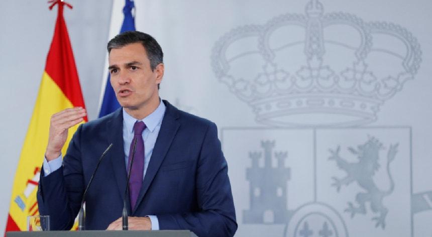 Em defesa da monarquia, Pedro Sánchez argumentou que não há motivos para que esta seja controlada.