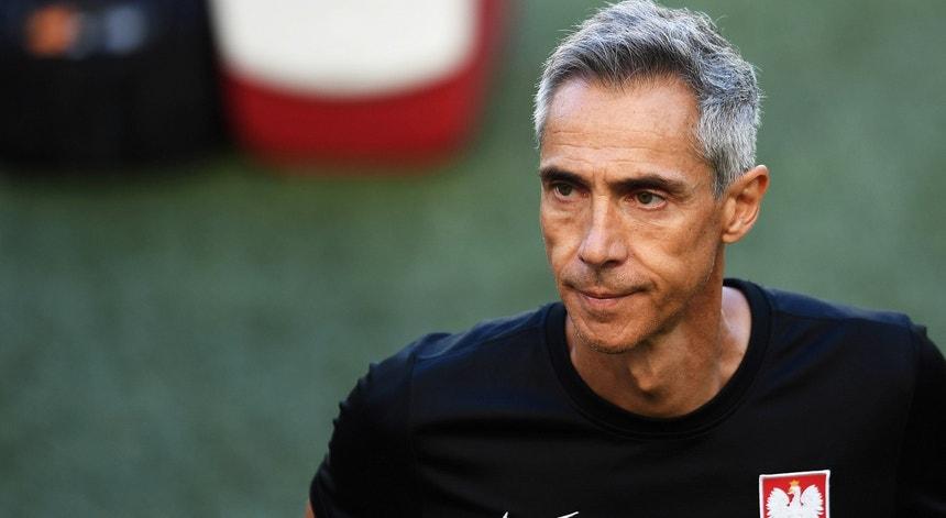 Euro2020. Boniek garante continuidade de Paulo Sousa apesar da eliminação da Polónia