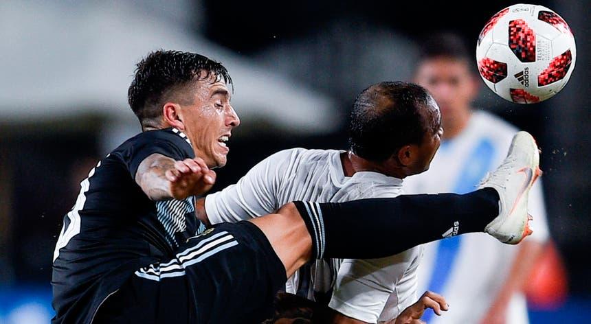 Renzo Saravia foi o primeiro reforço do FC Porto para a nova época
