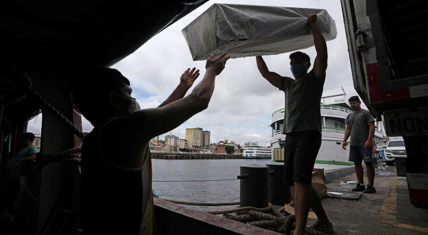 Os fenómenos meteorológicos adversos fizeram três vítimas no Estado de Santa Catarina no Brasil