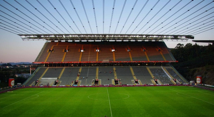 O cenário está pronto para receber os protagonistas da primeira meia-final da Taça da Liga