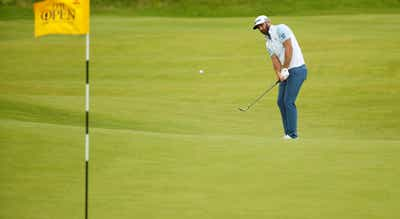 Golfista norte-americano Dustin Johnson lidera PGA Championship após três voltas