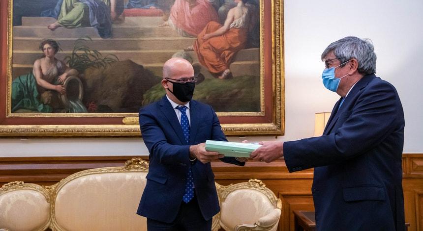 O documento já está na Assembleia da República