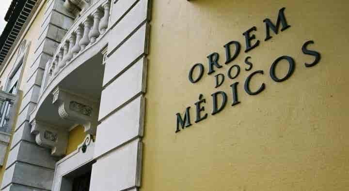 Grupo de 40 médicos critica carta aberta de ex-bastonários a Marta Temido