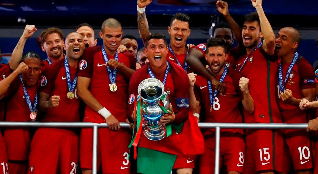 Portugal sagrou-se Campeão da Europa em Futebol há um ano - Euro ... fa8dda98959eb