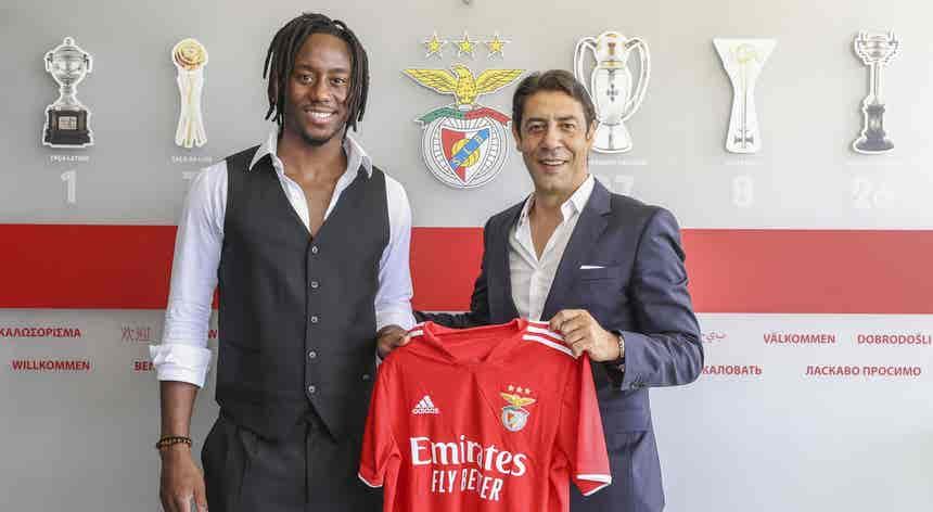 Médio francês Soualiho Meité assina por cinco épocas com o Benfica