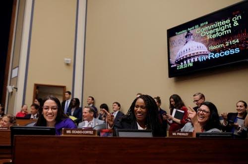 Alexandria Ocasio-Cortes, Rashida Tlaib, Ayanna Pressley, três da 'equipa' democrata do Congresso dos EUA
