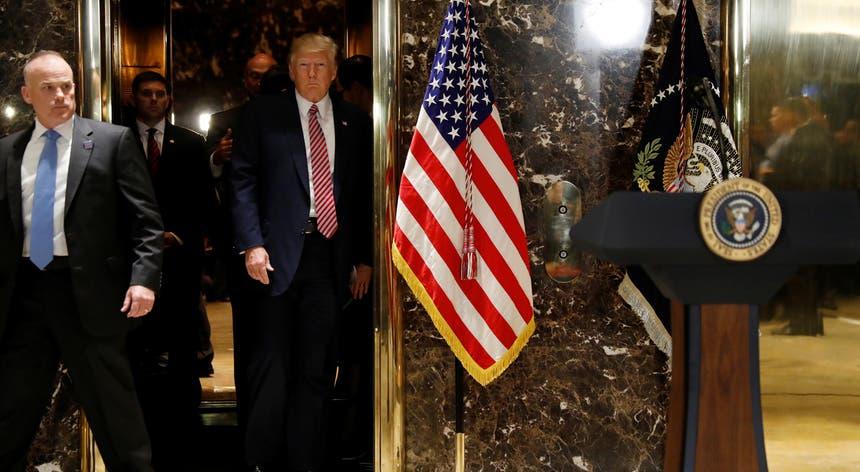 """""""Tínhamos um grupo de um lado que era mau e outro grupo do outro lado que também era muito violento"""", carregou ontem o Presidente dos Estados Unidos"""