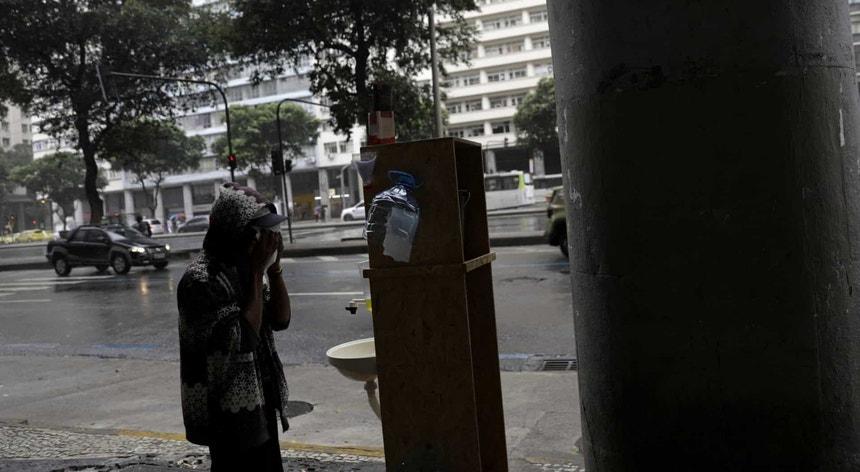 O Brasil vive dias terríveis em plena pandemia